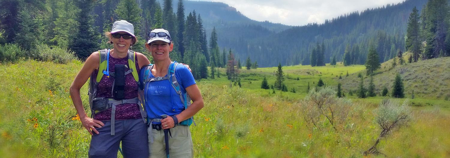 2 women experiencing the best hiking in Jackson hole